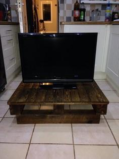 TV Stand Pallet Tutorial