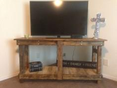 Rustic tv stand | Do It Yourself