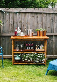 How to make your own outdoor Bar Cart