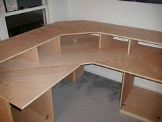 The DIY Multi-Level Desk plans and tutorial