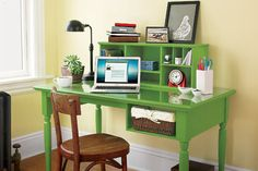 desk with a storage hutch – tutorial