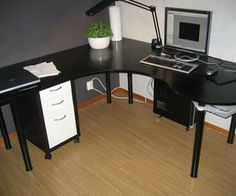 Swedish Wraparound Desk Made From One Sheet of Plywood – tutorial