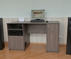 Multimedia desk with built in subwoofer – tutorial
