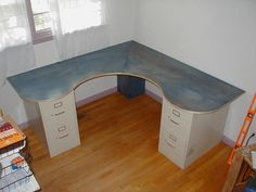 tutorial: Wraparound Desk Made From One Sheet of Plywood, 2 Filing Cabinets