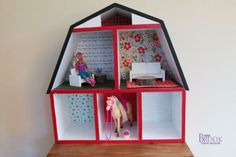 Barn Dollhouse