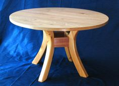 Building a round dining table