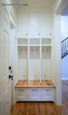Built-in Locker Bench