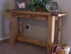 TRYDE CONSOLE TABLE