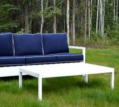 SIMPLE WHITE OUTDOOR COFFEE TABLE