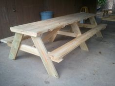 10′ Picnic tables