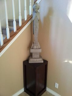 Statue/Plant Stand
