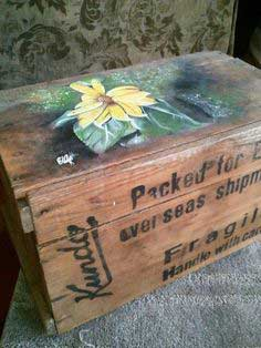 Artistic Crate Box/Table