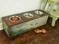 Salvaged box dog feeding station