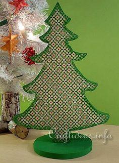 Wooden Christmas Tree Decoration Tutorial
