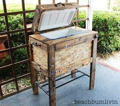 Rustic Cooler Box from Recycled Pallets Tutorial