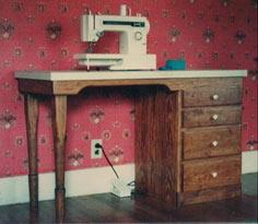 Sewing Table Free Plans!
